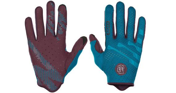 ION Gat Gloves off shore